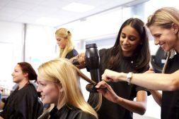 hairdressing-apprentice